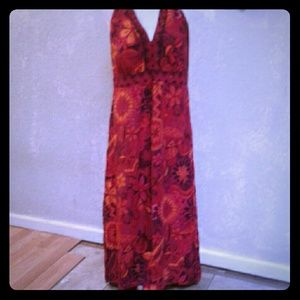 NWT ND New Directions Red Floral Maxi Dress18
